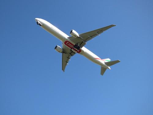 Birmingham Airport - plane - Emirates - Boeing 777   by ell brown