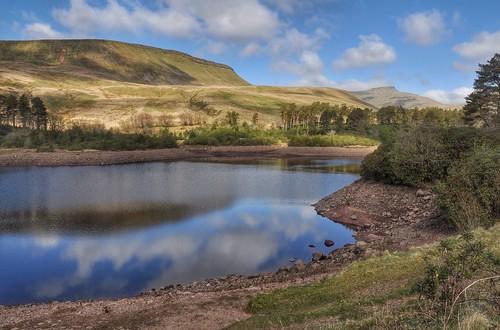 nature wales landscape countryside spring scenery day cloudy breconbeacons penyfan neuddreservoir