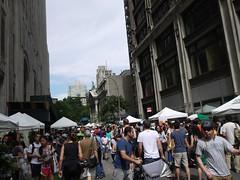 土, 2013-08-10 11:19 - Whole Foods の無料飲食スタンドは大人気