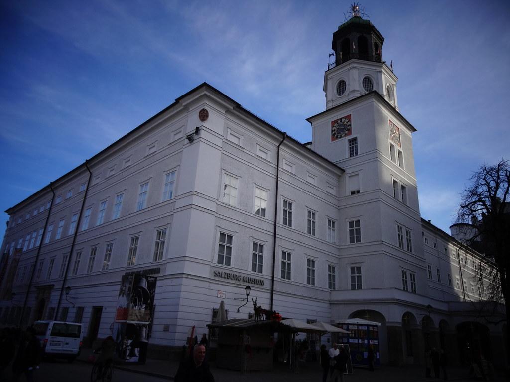 Salzburg, Salzburg (state of Austria), the art of facades of Salzburg  (Mozartplatz), Museum Neue Residenz