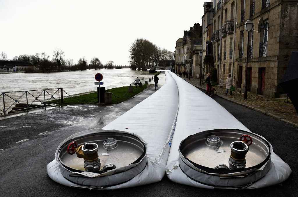 Boudins Anti Inondation Quand Le Niveau Monte On Les Remp