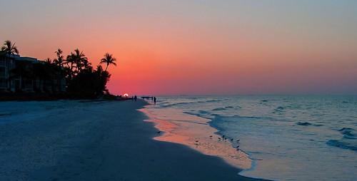 sanibel island exploration walking waterways walkingaround earlyinthemorning colors sunrise unitedstates outdoors travelling tourism seashore beachscape