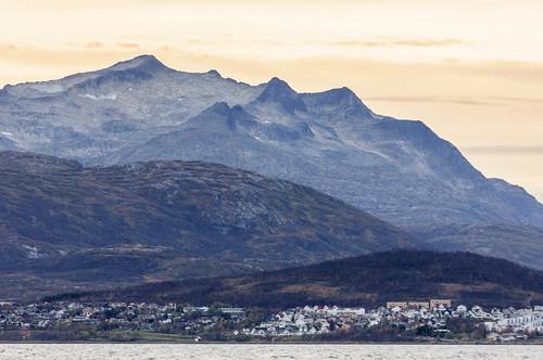 sunset mountains norway norge fjell solnedgang tromsø troms tromsøya langnes