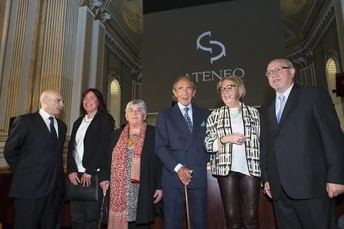 J. G. Bermúdez, D. García,  E. Laverón, A. Gala y A. de la Calle junto al Presidente del Ateneo