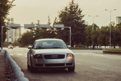 street car parked tt audi blinker