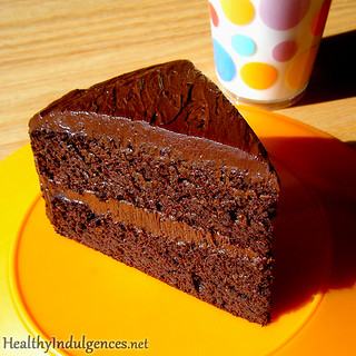 Sugar-Free, Healthy Chocolate Cake (Made from Black Beans!) | by HealthyIndulgencesBlog