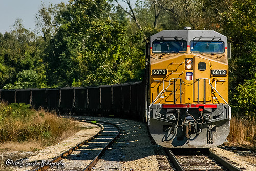 rail railroad railroads railway train track engine locomotive power horsepower scanlon canon eos digital rebel memphis tennessee freight transportation merchandise commerce business wow haul outdoor outdoors move mover moving bnsf sunset bridge crossing up unionpacific up6872 ac4400cw ge yellow ymv yazoomississippivalley