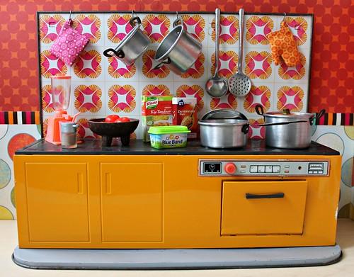 Vintage German Schopper tin toy kitchen   by Naralna