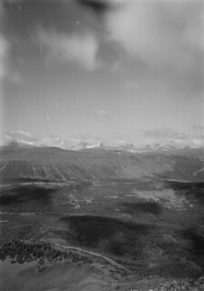Photo-topographical view taken from Station 34, Isolated Peak No. 1, looking west, 1913 / Vue phototopographique de la station 34, Isolated Peak no 1, en direction ouest, 1913