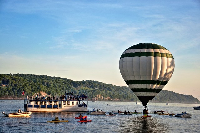 Balloon-RiverLanding