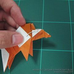 วิธีพับกระดาษเป็นรูปหมี (Origami Bear) 038