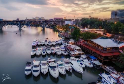 sunset canon boat knoxville yacht tennessee f11 24105 neylandstadium boomsday henleystreetbridge gaystreetbridge canonef24105mmf4lis ef24105mmf4lisusm canoneos5dmarkii calhounsontheriver