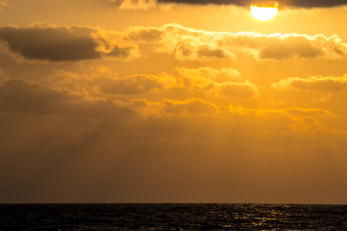 sea cloud sun india beach sunrise boat nikon horizon chennai tamilnadu kumar kumaravel d3100