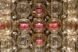 Vitrine de Noël Valentino - Paris, décembre 2013 | by JournalDesVitrines.com