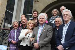 Deel van de cast met uiterst links Coby Trimp die Lea van Vliet speelt