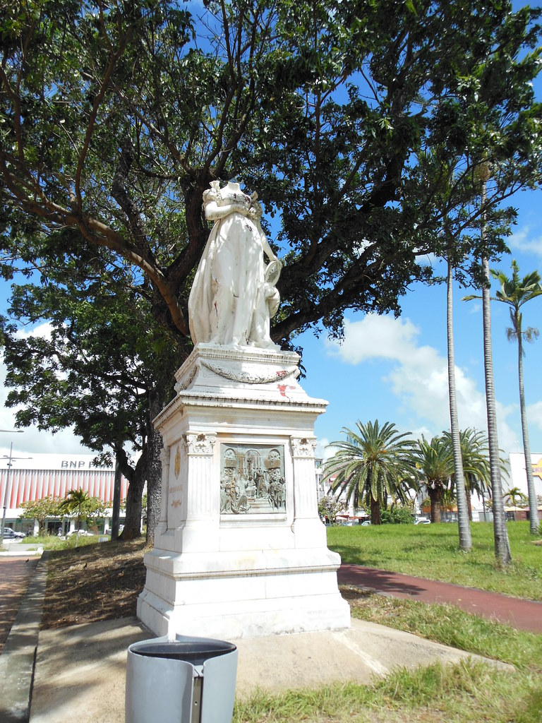 estatua Josefina de Beauharnais