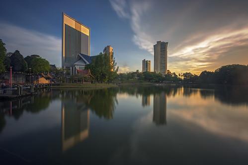 sunset lake reflection shahalam thegoldenmirror