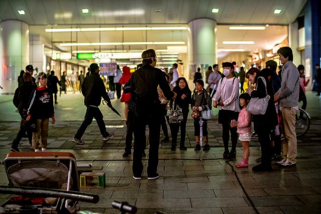street performing (Lens turbo)