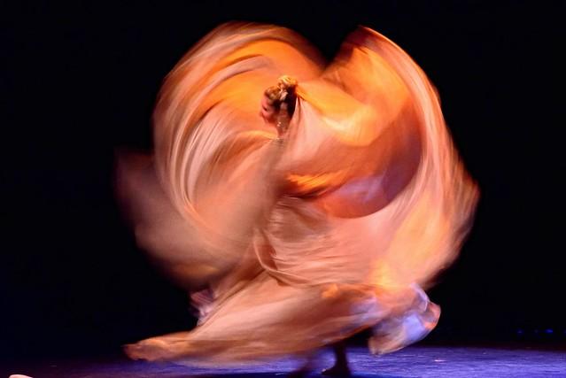 nikon nikkor 50-300mm 4.5 ED ais D800 ISO 3200 at 4.5 San Diego Nations Dance Festival Veil Dancer