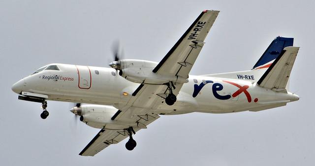REX SAAB340 landing Sydney