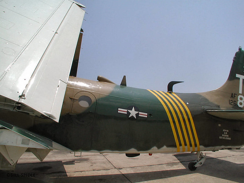 Douglas AD-4NA Skyraider (3)