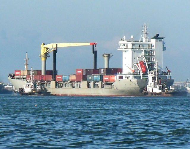 Lorcon Dumaguete assisted by tugs