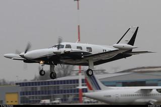 PIPER PA31 T1-500 Cheyenne I T7-ISA 31T-7904014 Entzheim avril 2013