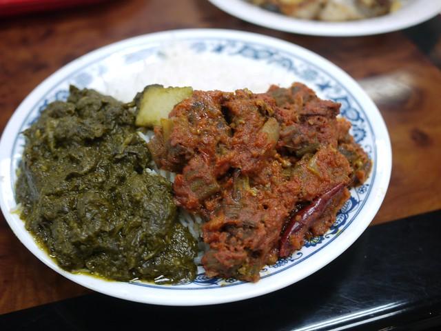 金, 2013-09-20 18:42 - 野菜カレー2種(ジャガイモのサグ、オクラのカレー)とご飯