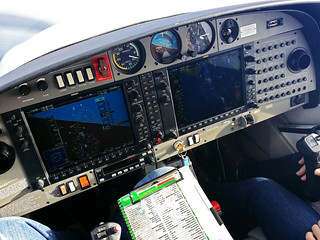 Diamond DA40 instr panel