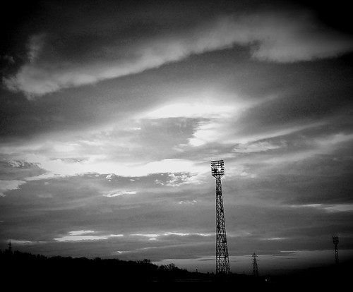 floodlight sunrise sky clouds tyneyard northeast blackandwhite monochrome silhouette silhouettephotography