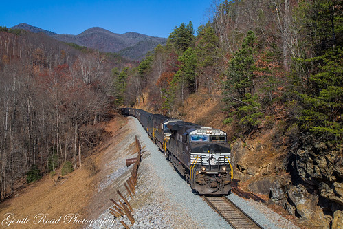 norfolk southern railway loops old fort mountains