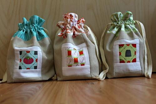 Drawstring gift bags