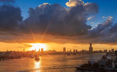 sunrise kaohsiung 旗津 6d 日出 85大樓 高雄市 渡船 ef1635mm 旗後燈塔