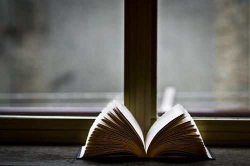 Book | by Federico Feroldi Foto