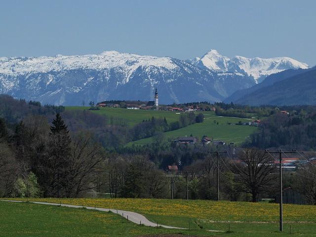 St. Leonhard Wonneberg m. Bergkette
