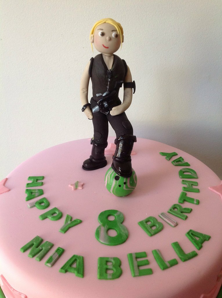 Amazing Lara Croft Style Bowling Laser Tag Party Cake Tania Fressanges Birthday Cards Printable Riciscafe Filternl