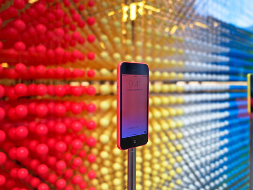 iPhone 5c Apple Store Display | by Gadgetmac // Nest Photo