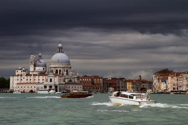 A Venise il y a ... de l'eau (si si !) - 4 photos -