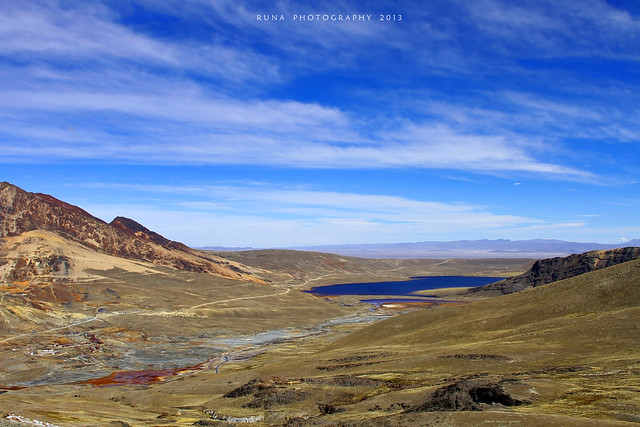 Laguna Milluni y altiplano central