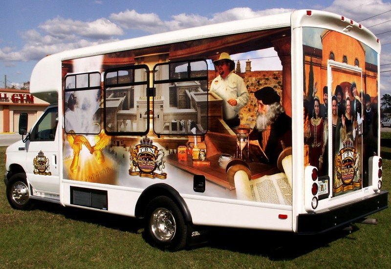 Shuttle bus wrap in Orlando by TechnoSigns