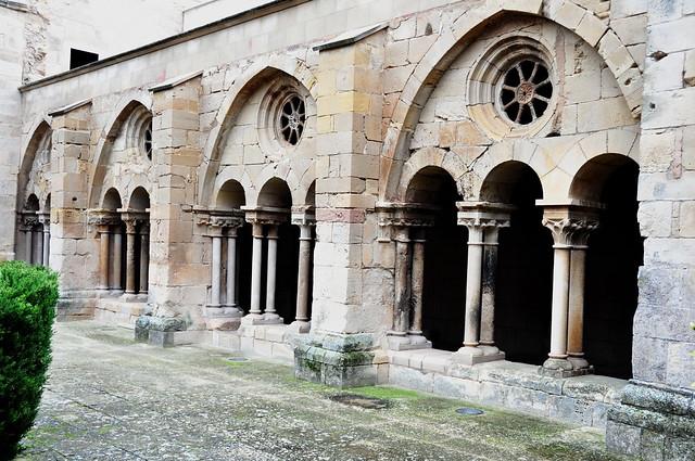 304 - Arcos del Claustro - Real Monasterio Santa María de Vallbona - Vallbona de les Monges - L´Urgell (Lleida) - Spain.