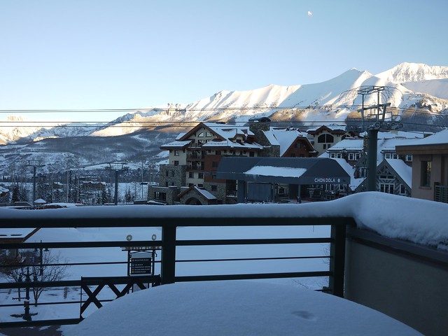 日, 2014-02-02 09:36 - Morning at Mountain Village