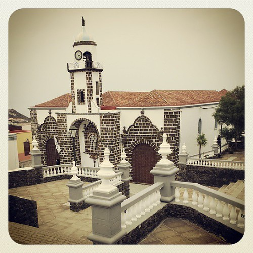 Hace apenas unas semanas el fervor popular llevaba a llenar de fieles esta Iglesia. #bajadelavirgen #elhierro | by Pedro Baez Diaz @pedrobaezdiaz
