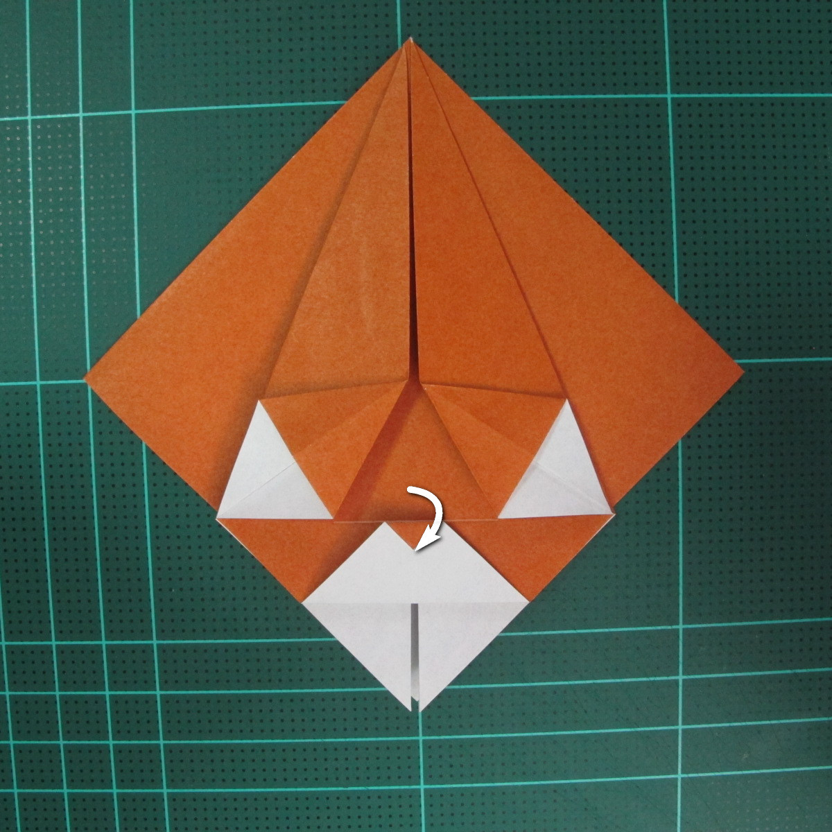 การพับกระดาษเป็นที่คั่นหนังสือหมีแว่น (Spectacled Bear Origami)  โดย Diego Quevedo 012