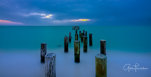 sony a7r2 sonya7r2 ilce7rm2 zeissfe1635mmf4zaoss fx fullframe longexposure scenic landscape waterscape nature outdoors beach ocean birds pier pelicans naplesbeach naples florida southwestflorida gulfofmexico tropical