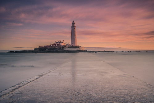 sunrise spring stmaryslighthouse whitleybay northumberland canon leefilters leendhardgrad09 leebigstopper serene calm peaceful peace serenity tranquil equilibrium lighthouse ocean summer clouds sky longexposure le canon600d manfrotto055cxpro3 manfrotto