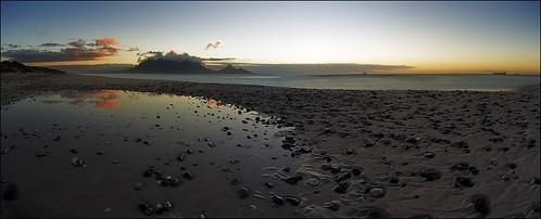 ocean longexposure sunset panorama water clouds southafrica capetown atlantic sunsetbeach tablebay tablemountain 30seconds robbenisland ef1740mml canoneos6d