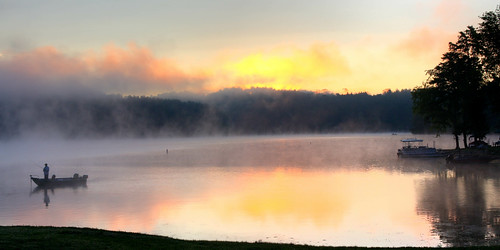 ohio usa lake fog sunrise fishing northamerica carrollcounty orangetownship leesvillelake