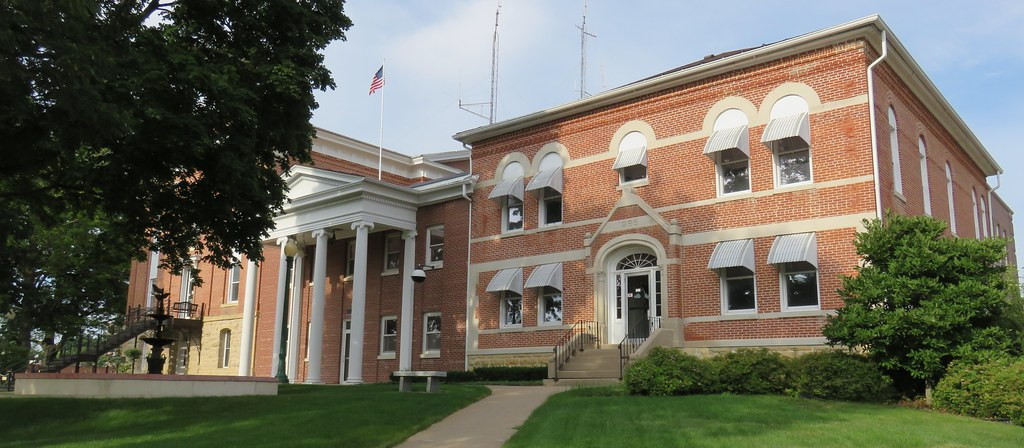 Carroll County Courthouse (Mount Carroll, Illinois) | Flickr