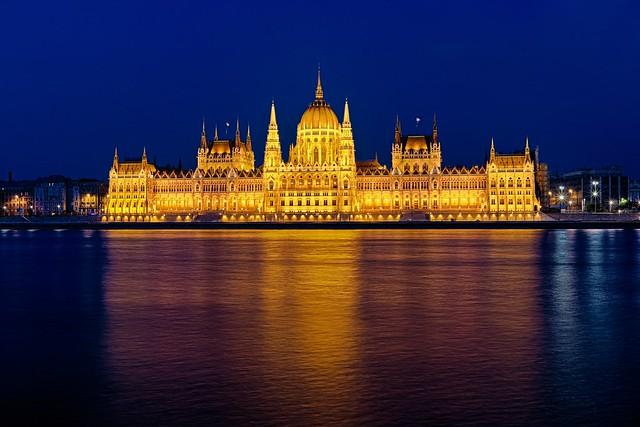 Hungarian Parlament & Blue Hour